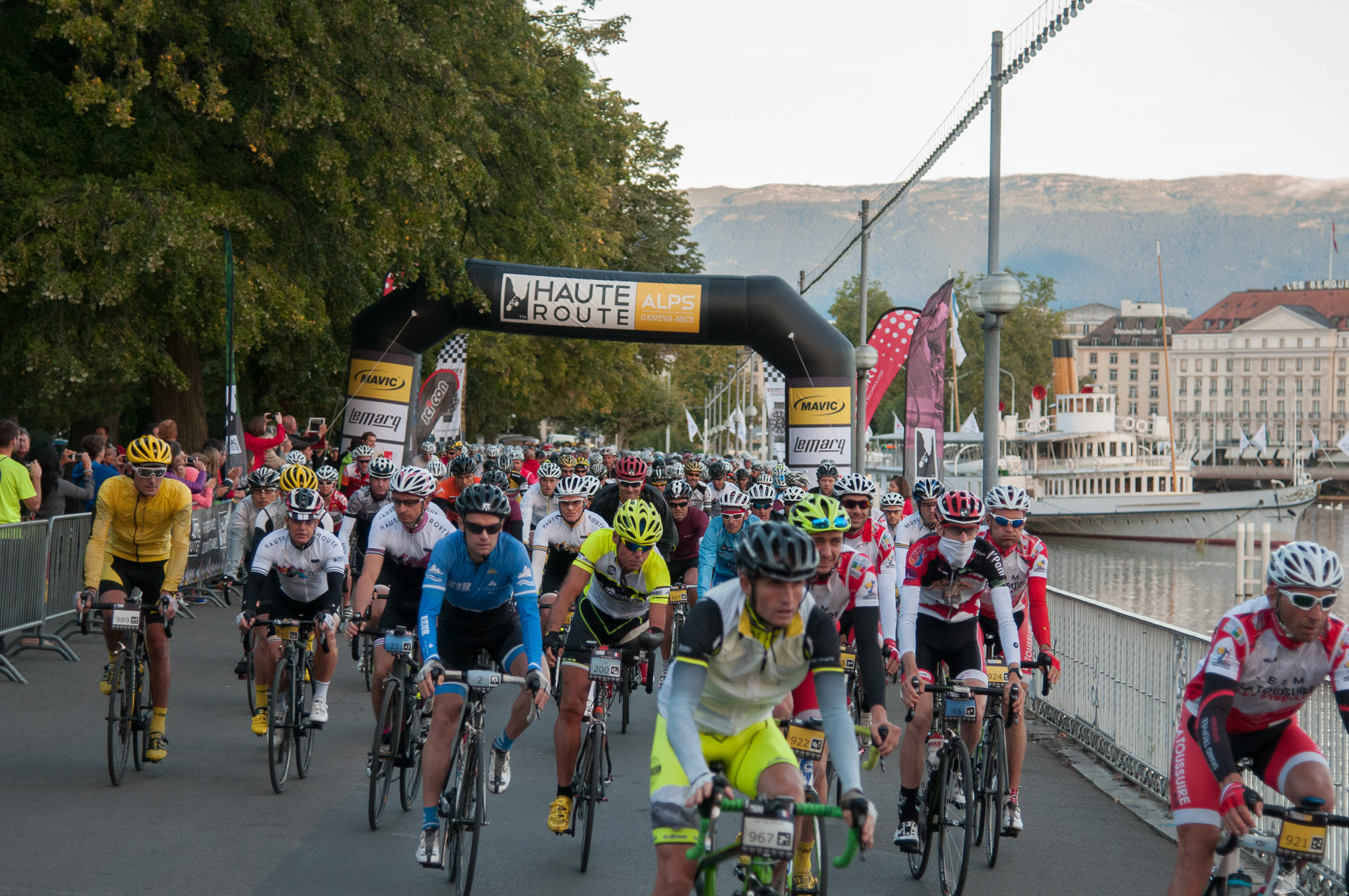 Start of the Haute Route Alps 2014 © Manu Molle