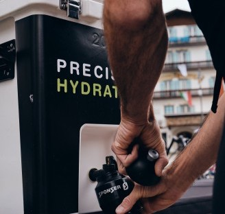 How to stay hydrated when training for an Haute Route 3-day event?
