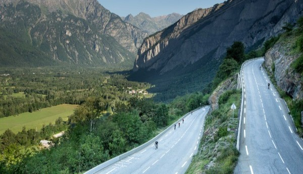 The most memorable cycling moments from Alpe d'Huez