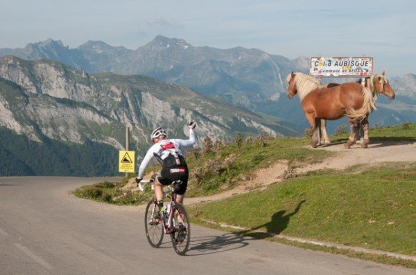 Five reasons to enter the Haute Route Pyrenees in 2015